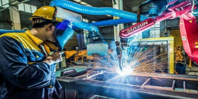 China records strong factory output as recovery broadens